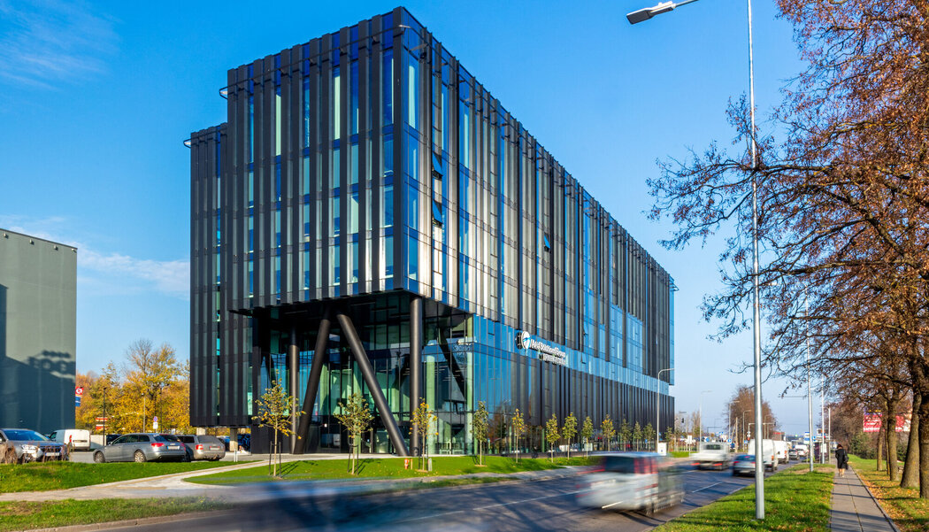 MasterLine 8 HI Windows and CW 50-HI Curtain Walls - Office building Avia Solutions Group Headquarters located in Vila-real, Lithuania