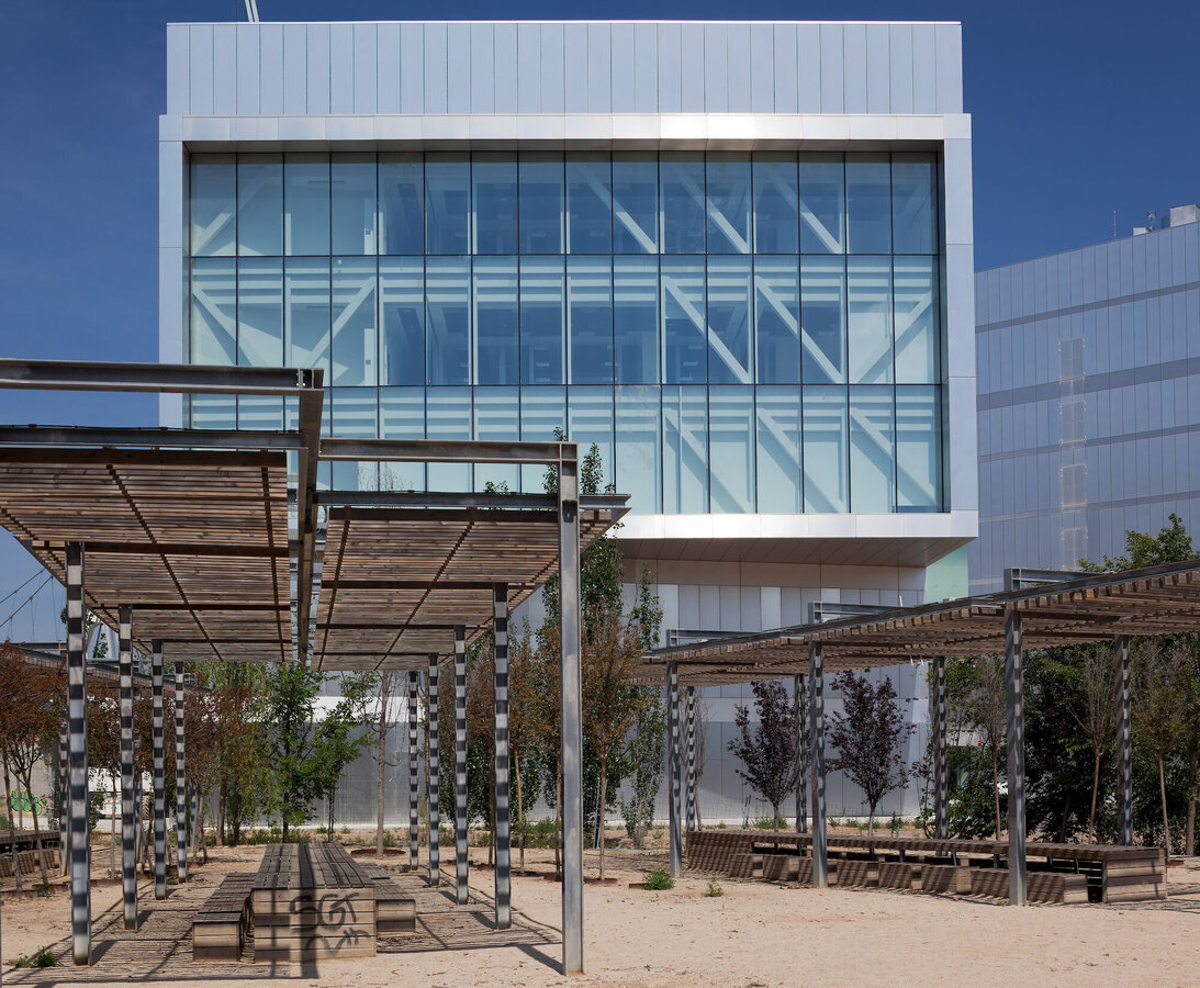 CW 50-SC Curtain Walls and CS 77 Windows - Congress center Etopia Centre for Art and Technology located in Spain